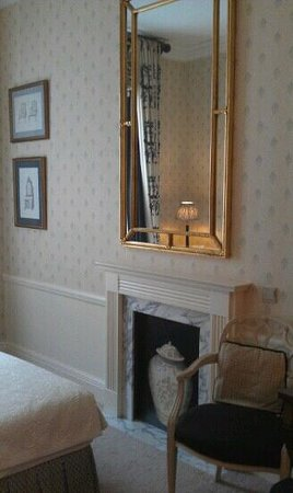 "Stanhope Hotel: ""fireplace"" ;)))"