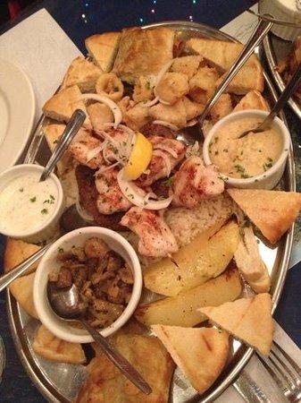 Minoas Greek Taverna:                   chicken platter