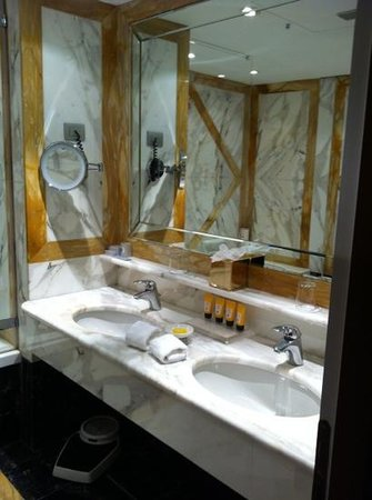 Hotel Principe Di Savoia:                   2