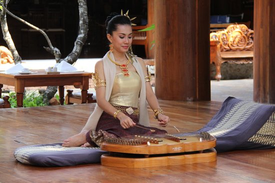 Santhiya Koh Phangan Resort & Spa: Lovely Music Daily at Breakfast