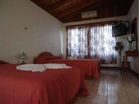 Hotel Villas Vilma: Habitacion