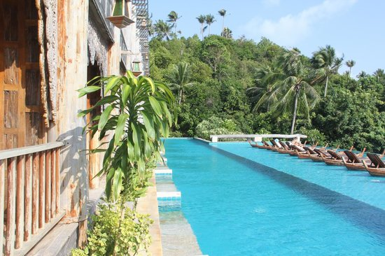Santhiya Koh Phangan Resort & Spa: Our pool
