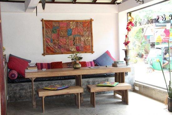 Sunils Garden Guesthouse: Sitting area