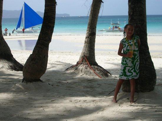 White Beach de Boracay :                   Absolute beach front