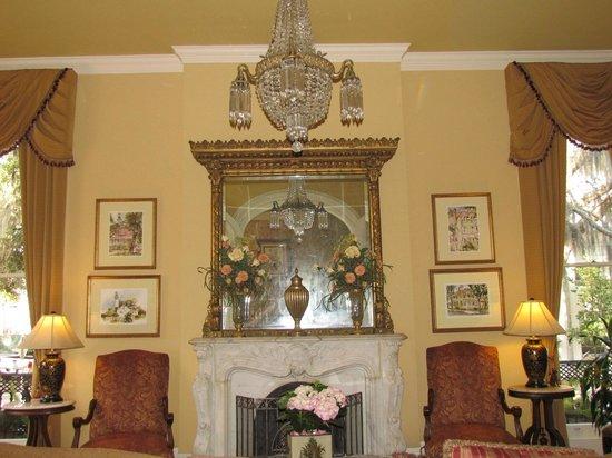 Hamilton-Turner Inn:                   Living Room