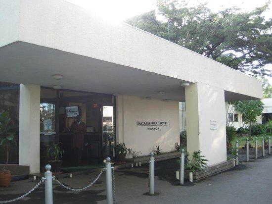 Jacaranda Nairobi Hotel: Hotel Entrance