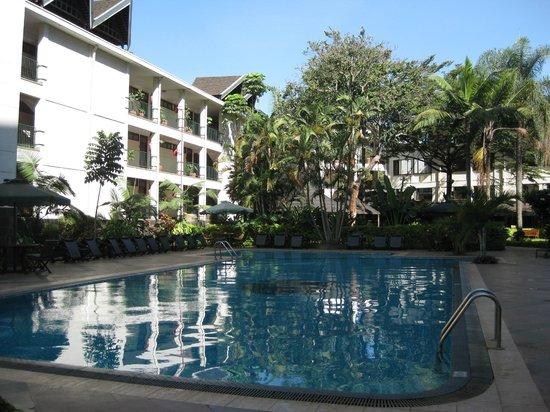 Jacaranda Nairobi Hotel: Pool