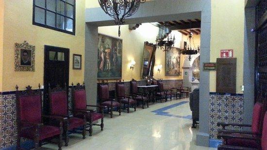 Posada Santa Fe:                   Lobby