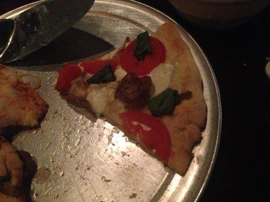 Nonno Tony's Seafood Kitchen:                   'Pizza Margarita'