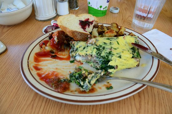 Omellete Express: Ground sirloin, spinach, scallions & cheese omlette