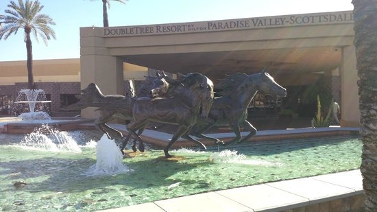 DoubleTree Resort by Hilton Paradise Valley - Scottsdale:                   Front Entrance