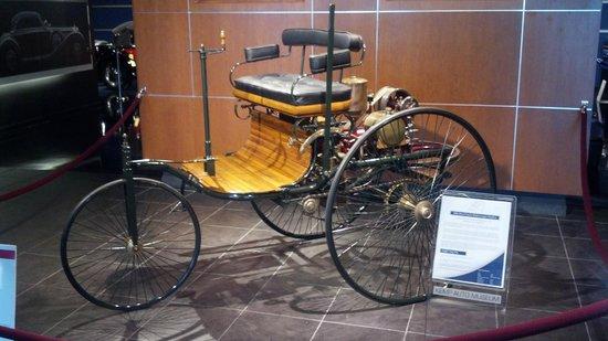 Kemp Auto Museum: 1886 Benz Patent Motorwagen