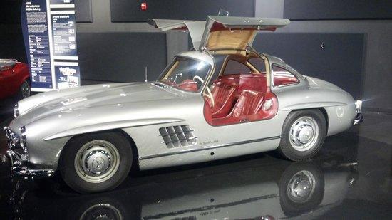 Kemp Auto Museum: 1961 Mercedes-Benz 300SL Roadster gullwing