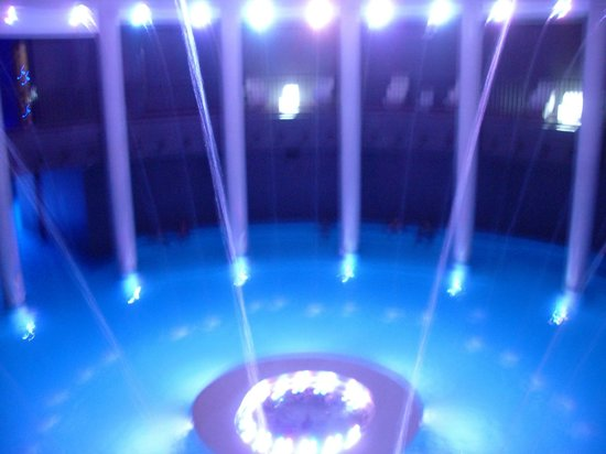 Gran Hotel Las Caldas: Espectáculo de luces y sonido en Aquaxana