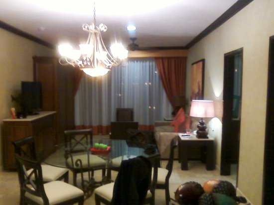 Villa del Palmar Cancun Beach Resort & Spa:                   there is a pull down murphy bed next to the TV