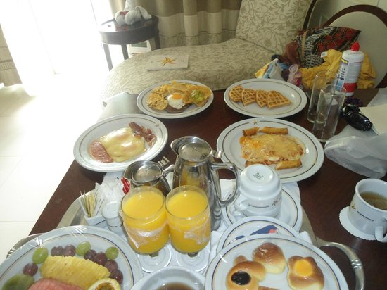 Iberostar Grand Hotel Bavaro :                   Room service -Breakfast