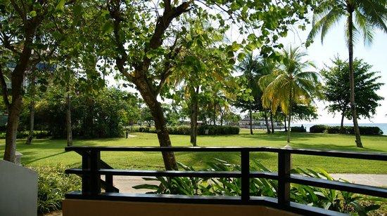 Shangri-La's Tanjung Aru Resort & Spa: balcony view