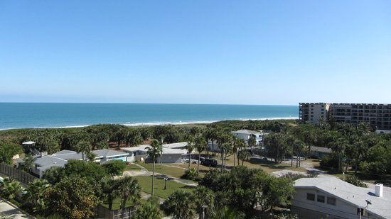 Hampton Inn Cocoa Beach/Cape Canaveral:                   View from room 716