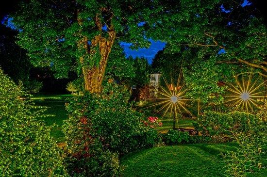 The Riverside Inn: Night Garden View