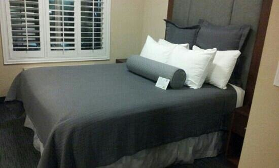 BEST WESTERN PLUS Avita Suites:                   comfy bed