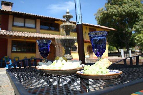 Hotel Huerta Real: Recepción aire libre