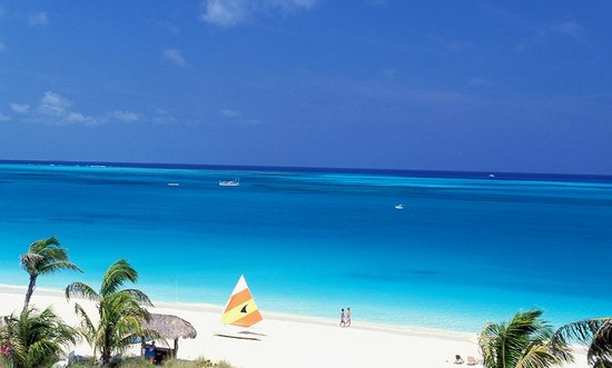 Providenciales : Photo provided by ©4Corners