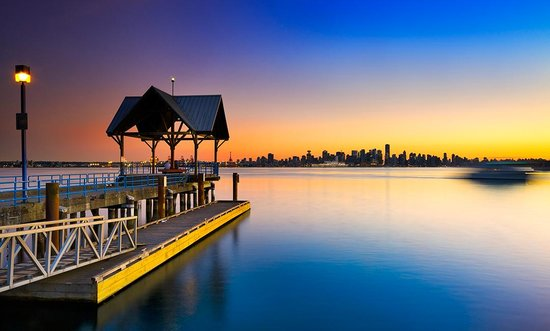 Vancouver, Canada : Photo provided by ©4Corners