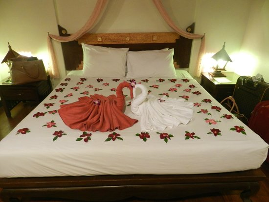 Patong Premier Resort:                   I loved those Ducks on the bed with red flowers around we found when arriving