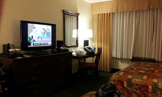Knott's Berry Farm Resort Hotel:                   tv stand