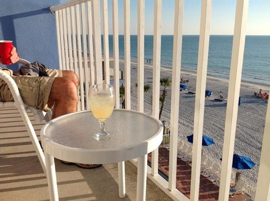 Doubletree Beach Resort by Hilton Tampa Bay / North Redington Beach:                   enjoying life.