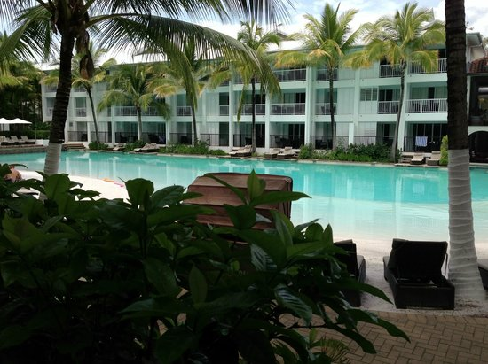 Peppers Beach Club Port Douglas:                   Pool area