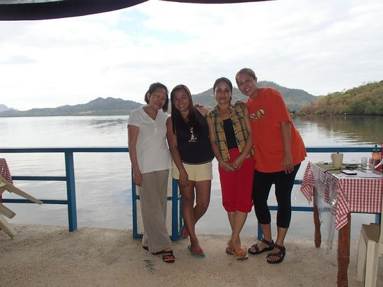 Jendi Seafront Lodge:                                     With Mrs. Watson, Lyzel, Luisa and Me!