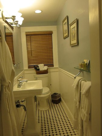 The Craftsman Inn: Bathroom
