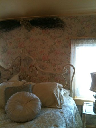 "Country Inn Bed & Breakfast : ""Summertime"""