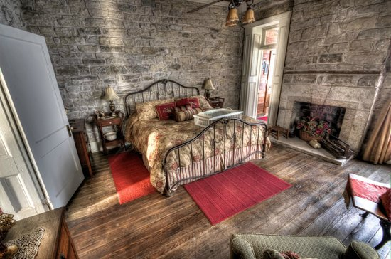 Old Rock House Bed and Breakfast:                   King room