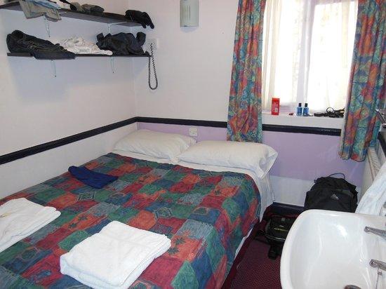 Marble Arch Inn:                                                       Room