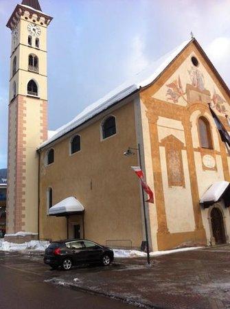 Hotel Al Polo:                   Dorfkirche in Ziano