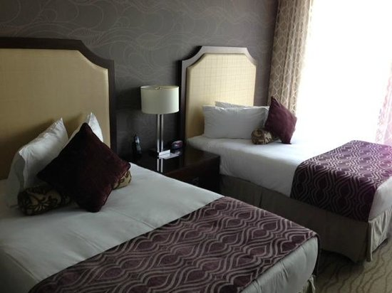 Pinnacle Hotel At The Pier: Double Beds