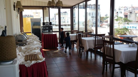 Amber Hotel:                   salle a manger
