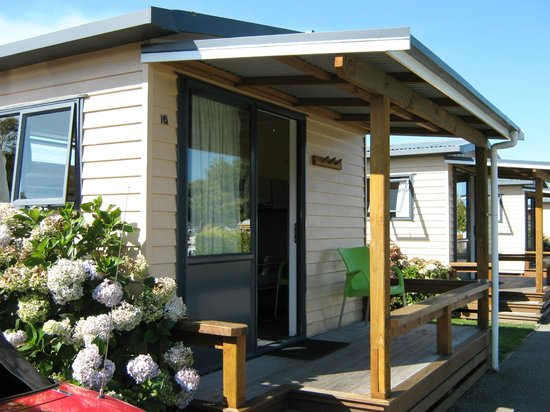 Timaru TOP 10 Holiday Park:                   Standard cabin with Balcony