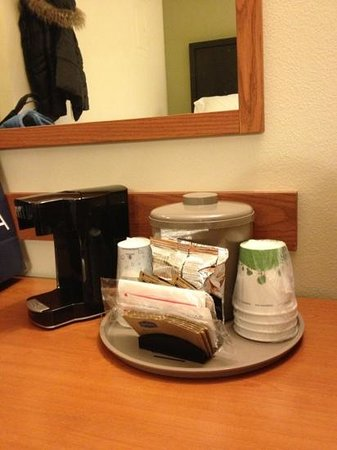 Hampton Inn and Suites Seattle North Lynnwood:                   コーヒーとお茶