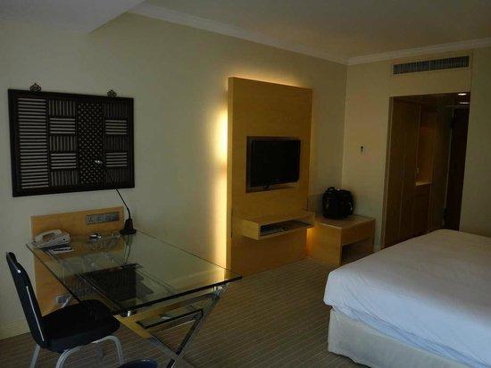 Hilton Singapore:                   一番安いカテゴリーの部屋