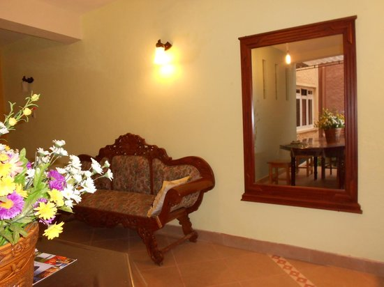 NO: 26 D Guesthouse:                                     living room between 2 room nicely decorated
