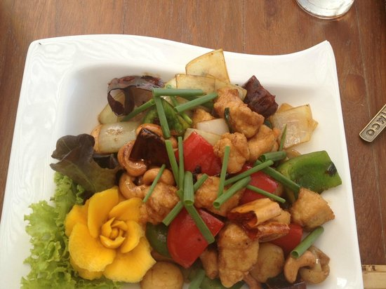 Deva Samui Resort & Spa :                   Cashew Chicken from Restaurant - Delicious