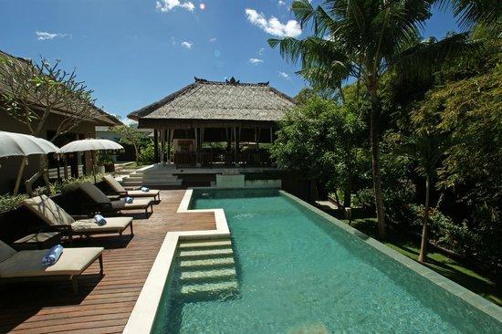 Villa Empat Pool