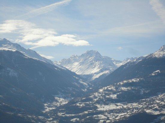 لا جروند ميزون:                                     View from the top terrace                                 