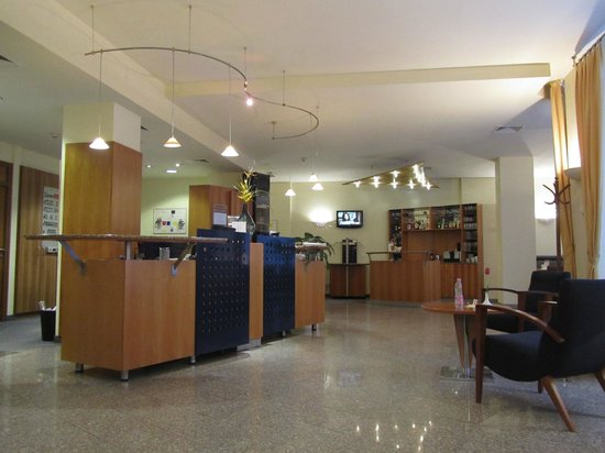 Starlight Suiten Hotel:                   hall