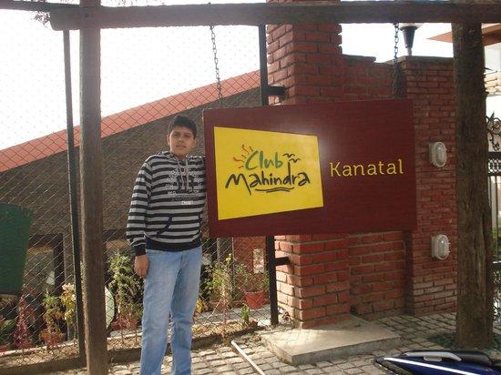 Club Mahindra Kanatal:                   resort gate