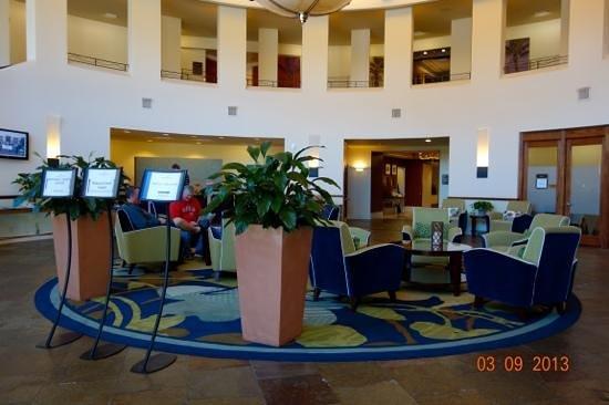 Crowne Plaza Palo Alto:                                                                         lobby