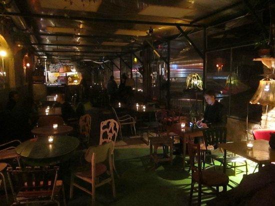 Szimpla Kert:                   drinking room